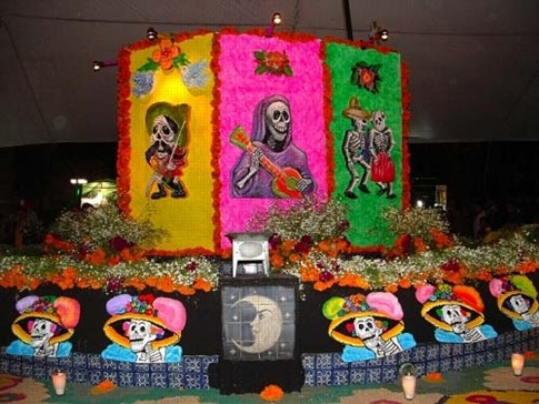 Flowers and colors in the Mexican celebration.